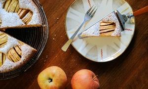 Café Hibiskus: Veganer Kuchen und Heißgetränk nach Wahl für zwei oder vier Personen im Café Hibiskus (bis zu 41% sparen*)