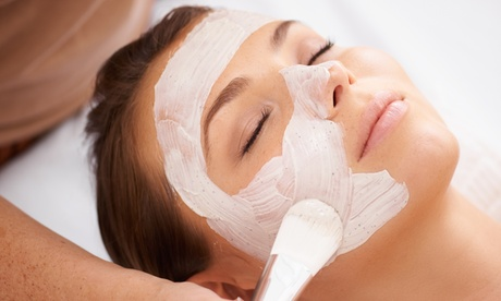 Higiene facial y extensión de pestañas con acabado a elegir e  en Centros Kamymaf Estética