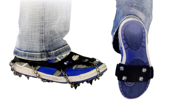 Chiodi o catene da neve per scarpe
