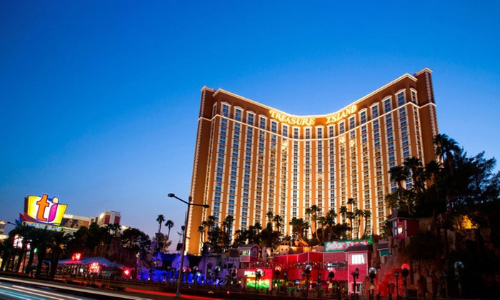 2-Night Stay at 4-Star Hotel on Las Vegas Strip