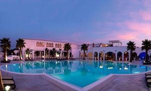 Centro Vacanze Poker: Ingresso in piscina con animazione da giugno a settembre per 2 o 4 persone da Centro Vacanze Poker (sconto fino a 73%)