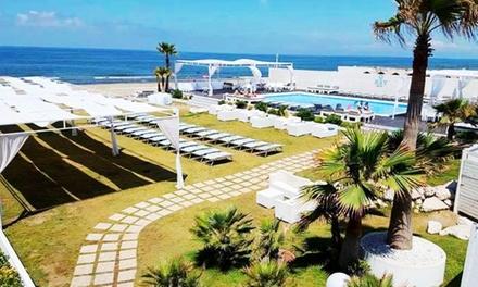Lido di Licola: ingresso in spiaggia, solarium o piscina per 2 persone al Key Beach Park (sconto fino a 58%)