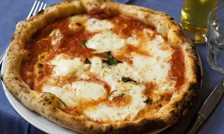 Pizza alla carta con antipasto e birra