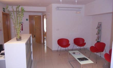 Blanqueamiento dental led con limpieza bucal Centro de Sonrisas Alicante (hasta 83% de descuento)