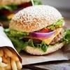 Bio-Burger mit Beilage am Ku'damm