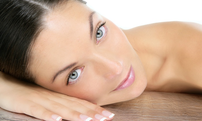 4 Ever Young - Boca Raton Town Center Mall: 20 or 40 Units of Botox at 4 Ever Young (46% Off)