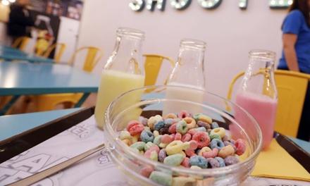 Menú de cereales para 2 o 4 con bol mediano y bebida de leche desde 3,95 € en Cereal Shooter Café