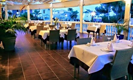Menú indio para 2 o 4 con entrante, principal, postre y bebida desde 26,99 € en The Connoisseur Indian Restaurant