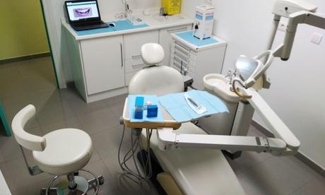 Limpieza dental, revisión y opción a curetaje de 1 o 2 arcadas desde 9,95 € en Clínica Dental Eduardo González Navarro