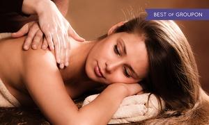 Instytut Medycyny Estetycznej i Kosmetologii Hialuron: Czekoladowe zabiegi na ciało: masaż gorącą czekoladą, kawowy peeling i więcej od 59,99 zł w Instytucie Hialuron (do-60%)