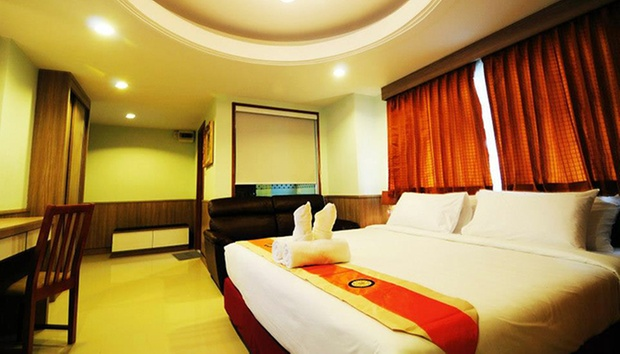 Bangkok: Hotel Stay + Flights 1