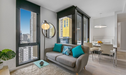 Melbourne, CBD: 1 or 2 Nights for Up to 4 People with Wine and Late CheckOut at Serviced Apartments Melbourne, Empire