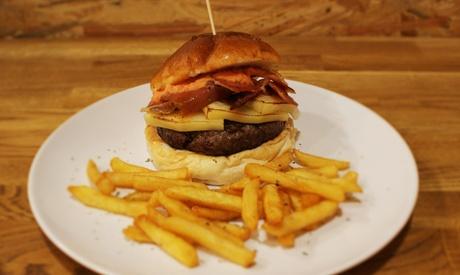 Menú Burger para 2 o 4 con combo de entrantes, principal y bebida desde 16,95 € enCampesino Burger