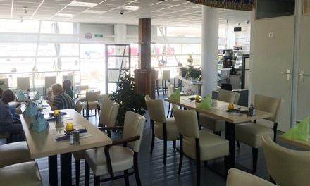 Tweegangenlunch naar keuze voor 2 tot 6 personen bij Mama Essi African Restaurant