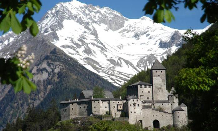 Soggiorno romantico in Alto Adige, Hotel Mühlener Hof 4*: 1, 2, 3 o 7 notti in pensione 3/4, area Wellness per 2 persone