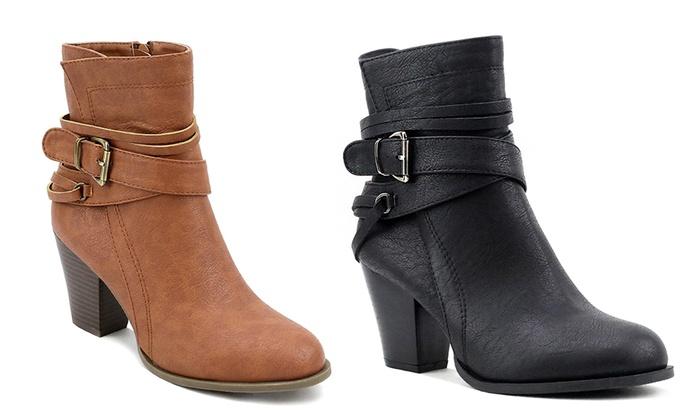 OM Newtown Women's Multi-Strap Ankle Booties