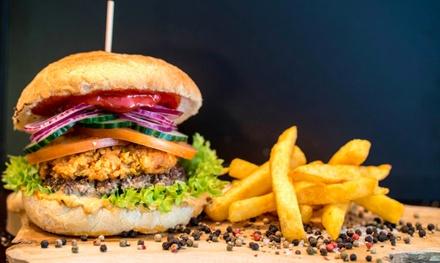Burger mit Pommes, Sauce und Getränk für 1 bis 4 Personen bei Lions Premium Burger (33% sparen*)