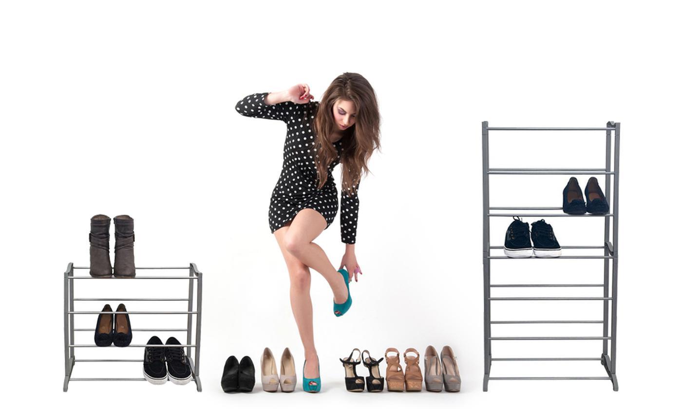 One or Two Four- or Seven-Shelf Shoe Organiser Racks