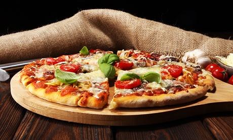 Menu con pizza a scelta, crocchetta, patatine e bibita per una o 2 persone da Pizza Strike. Da asporto o