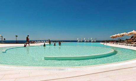 Isola di Capo Rizzuto: 7 notti in appartamento bilocale per 4 persone al Resort Le Castella 4*