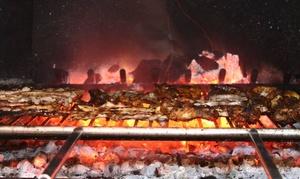 Brasería Vikingos: Menú para 2 o 4 personas con parrillada ilimitada, ensalada, postre y bebida ilimitada desde 19,95€ en Brasería Vikingos