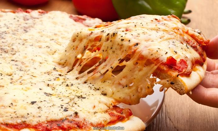Villa Pizza Bar - Jundiaí: Villa Pizza Bar – Anhangabaú: 1 ou 2 pizzas + 2 ou 4 chopes para 2 ou 4 pessoas, a partir de R$ 28,90