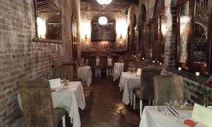 OSTERIA DEL VICARIO: Menu gourmet di 6 portate con vino all'Osteria del Vicario, nel borgo medievale di Certaldo (sconto fino a 58%)