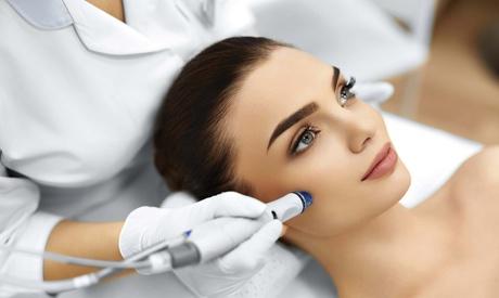 Higiene facial completa con opción a máscara led y tratamiento de vitamina C desde 29,95 € en 0 Calvicie Oferta en Groupon