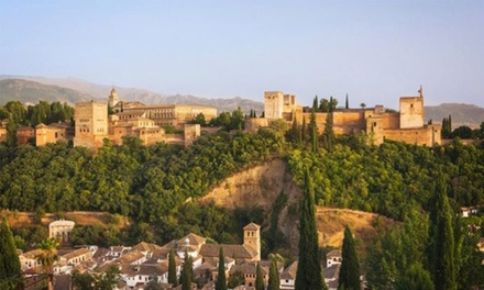 Granada: 1, 2 o 3 noches para 2 con desayuno o media pensión y opción a entrada a la Alhambra en Hotel Poniente