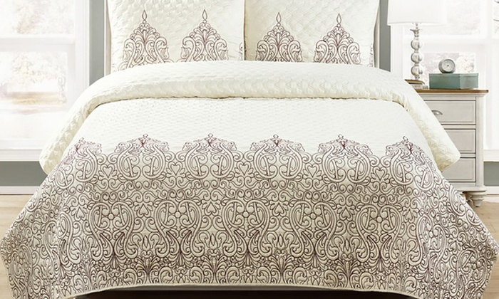 Blissful Living Hamburg Embroidered Quilt Set (3 Piece) ...