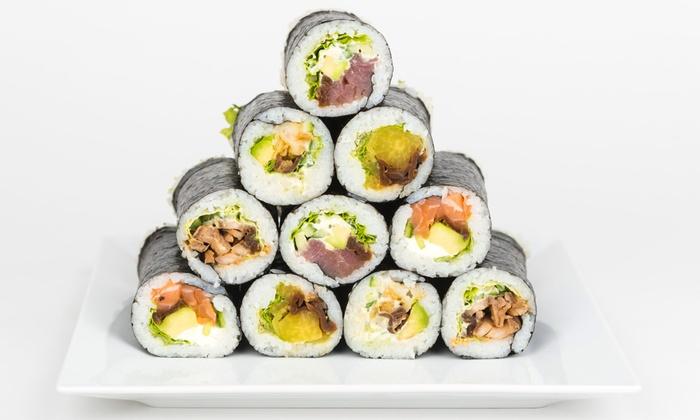 Grab&Go Cafe - Warszawa: Japońskie smaki: 3 rolki sushi, dowolna sałatka oraz napój za 39,99 zł i więcej opcji w Grab&Go Cafe (do -42%)