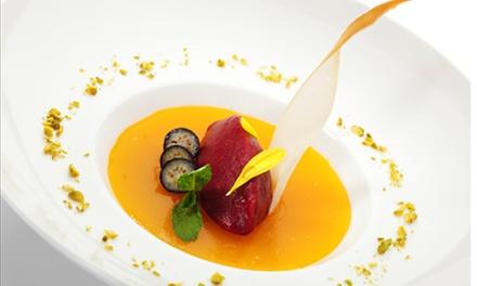 Menu vegano e bottiglia di vino al ristorante LAngolo del Vegetariano, zona stazione centrale (sconto fino a 57%)