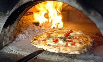 Menu pizza a scelta dalla carta più birra per 2 o 4 persone al ristorante A Tavern e Pullecenella (sconto fino a 66%)