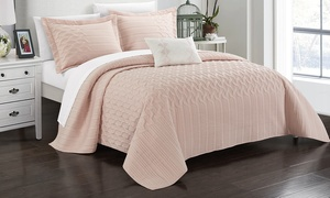 Chic Home Shaly Interlaced Design Quilt Set (3- or 4-Piece)