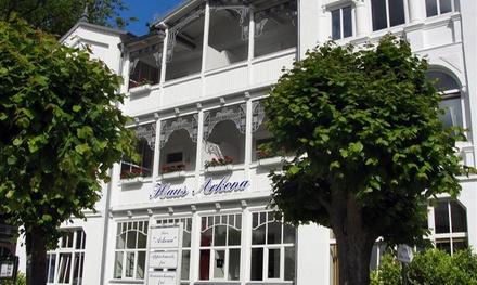 """Rügen: 2 bis 4 Nächte für Zwei inkl. Sauna, optional mit Frühstück und Wein, in der Bäderstilvilla """"Haus Arkona"""""""