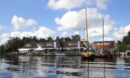 Friesland: standaard tweepersoonskamer met ontbijt en naar keuze 3gangendiner bij Hotel restaurant IeSicht