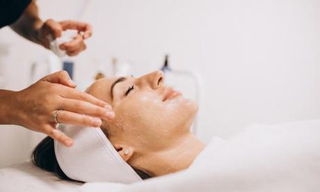 Limpieza facial con opción a microdermoabrasión y radiofrecuencia en Dermato Nova Centro de Estética