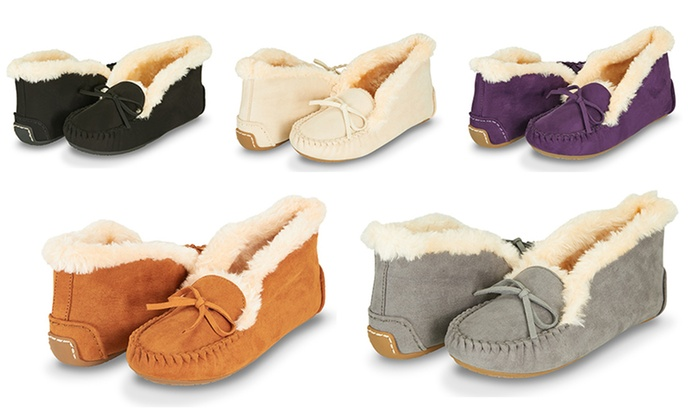 086d5871719c Floopi Women s Basic Memory Foam Moccasin Slipper with Foldable Collar
