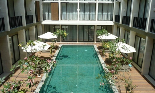 Kuta beach hotel near mall for Terrace 8 residence kuta