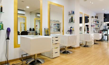 Sesión de peluquería completa con corte y opción a ttos. adicionales desde 12,95 € en Priscila Cano reina Mora