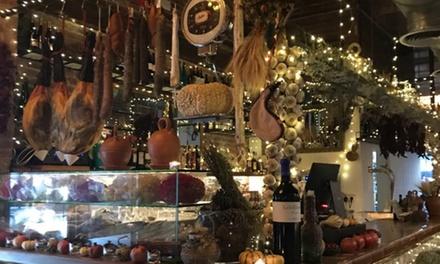 Menú degustación de tabla de embutidos o fondue con entrante a compartir, bebida y postre desde 22,99 € en Toc De Gralla