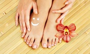 Beauty Clinic: Beauté des mains, option pose de vernis simple ou semi-permanent pour 1 personne dès 12 € chez Beauty clinic