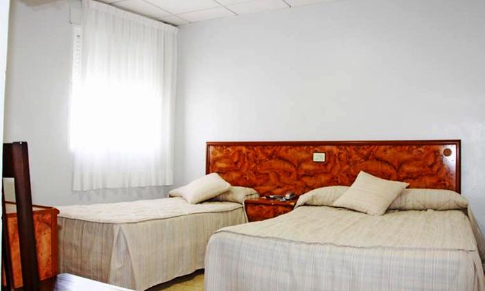 1-3 o 5 noches para dos en el Mar Menor, desayuno o media pensión y late check-out en Hotel Trabuco, a 500 m de la playa desde 29€