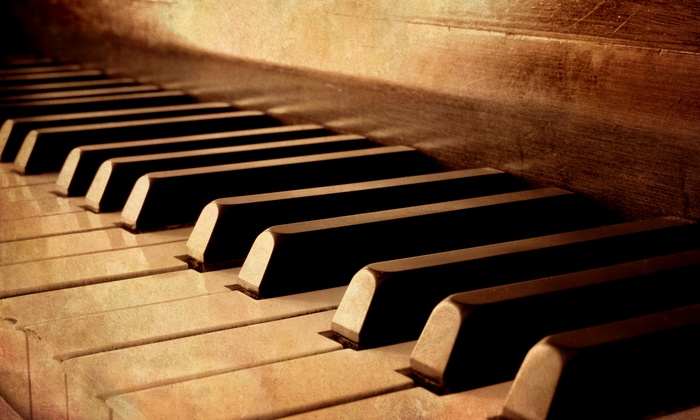 Louie Louie's Piano Bar - Arlington: Dueling-Piano Show and Pizza for 2, 4, 8, or 12 on Friday or Saturday at Louie Louie's Piano Bar (Up to 67% Off)