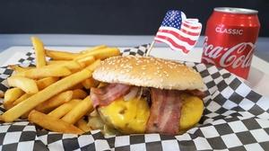 BURGER STORE:  2 menus Classic ou Special Burgers avec 2 desserts au choix en semaine ou le week-end dès 12,90 € au Burger Store