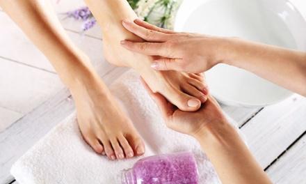 Pedicure inclusief voetmassage, naar keuze met cosmetische voetverzorging bij Beauty Centre Beverwijk