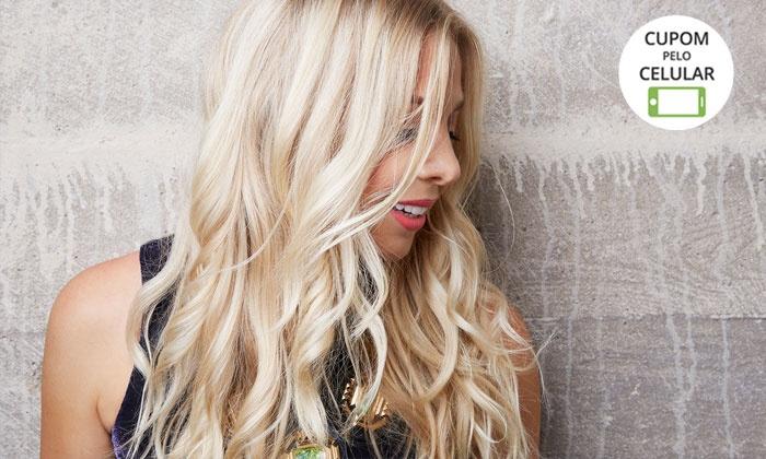 Zoom Hair Studio - Zoom Hair Studio: Zoom Hair Studio – Asa Sul: reflexo, ombré hair, luzes ou californianas + nutrição Kérastase (opção com corte e mais)