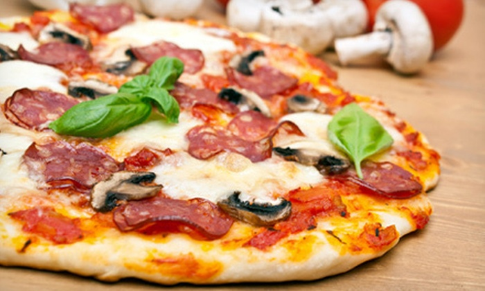 Amaro Pizzeria and Vino Lounge - Cave Creek: $20 for $40 Worth of Pizza and Italian Cuisine at Amaro Pizzeria & Vino Lounge