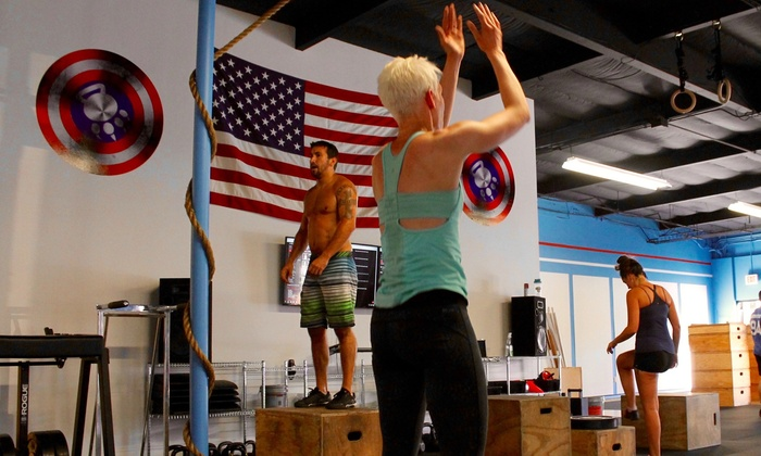 CrossFit P.A.W. - Tigard Neighborhood Area 5: $49 for a Four-Week Membership for F.I.T. Bootcamp & CrossFit-Elements— CrossFit Tigard-P.A.W. ($150 Value)