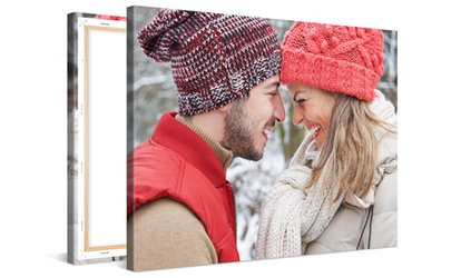 immagine per Black Friday - Una stampa personalizzata su tela disponibile in vari formati con Photo Gifts (sconto fino a 87%)